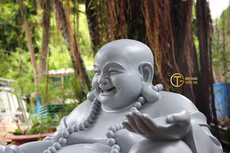 tuong phat di lac bo tat nhua composite dieu khac tran gia 3